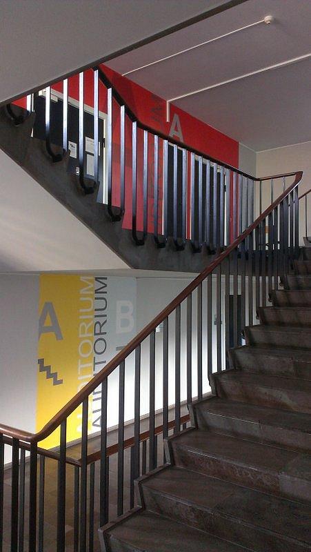Gefion Gymnasium, etageskiltning.